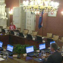 Ministri 'lupali' selfije (Dnevnik.hr)