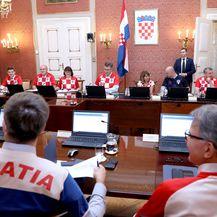 Sjednica Vlade nakon što je hrvatska nogometna reprezentacija izborila ulaz u finale (Foto: Patrik Macek/PIXSELL)