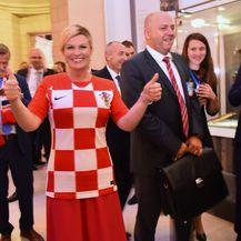 Predsjednica prima čestitke nakon pobjede Vatrenih (Foto: Dnevnik.hr)