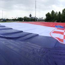 Hrvatska zastava kod Bandićevih fontana (Foto: dnevnik.hr)