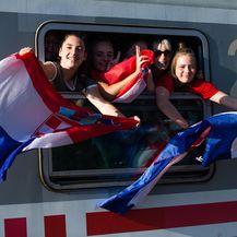 Iz Osijeka krenuo navijački vlak na doček Vatrenih (Foto: Davor Javorovic/PIXSELL) - 3
