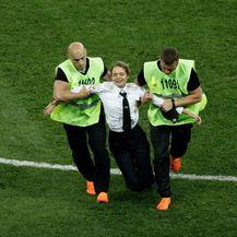 Incident na finalu Hrvatska-Francuska u finalu SP-a u Rusiji (Foto: AFP) - 6