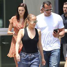 Jennifer Lopez u vrećastim trapericama - 5