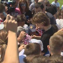 Vatreni u Zadru posjetili polaznike škole nogometa (Foto: Dnevnik.hr) - 1