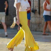 Dama iz Dubrovnika u Zarinim hlačama