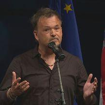 Gibonni održao dirljiv govor na komemoraciji za Olivera Dragojevića (Foto: dnevnik.hr)