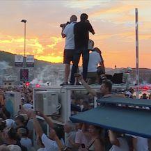 Oliver posljednji put plovi prema Veloj Luci (Video: Dnevnik Nove TV)