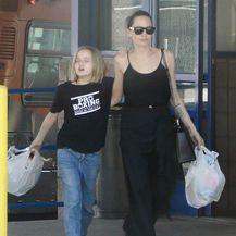 Angelina Jolie u natikačama - 4