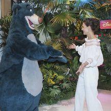 Katie Holmes u Disneylandu