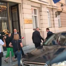 Gordan Jandroković i Branko Bačić bježe od novinara (Foto: Dnevnik.hr)