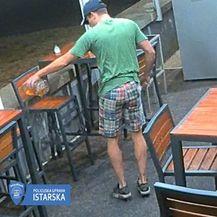 Policija traži muškarca s fotografije (Foto: PU istarska) - 3