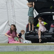 Princ George, princeza Charlotte i princ Louis - 4