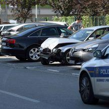 U sudaru oštećeni parkirani automobili (Foto: Marko Lukunic/PIXSELL) - 9