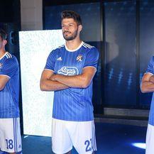 Dinamovi novi dresovi (Foto: Marin Tironi/PIXSELL)