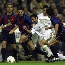 Luis Figo protiv Barcelone (Foto: AFP)