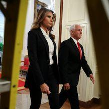 Prva dama SAD-a u elegantnom odijelu