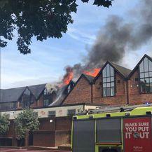 Veliki požar u Londonu (Foto: Twitter/London Fire Brigade)1