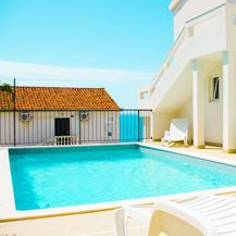 Villa Pool and Pleasure, Rukavac