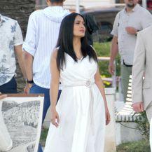 Lijepa Salma u bijeloj haljini na splitskoj rivi