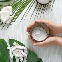 Ljeto je teško zamisliti bez mirisa kokosa