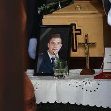 Obitelj, prijatelji i kolege oprostili se od vatrogasca Ivana Galekovića (Foto: Marko Prpic/PIXSELL) - 7