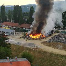 Požar otpada pored mirogojskog groblja (Foto: DVD Trnje)