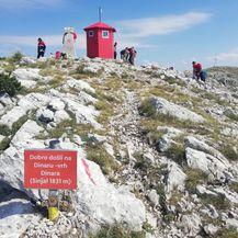 HRZ je prevezao sklonište na najviši hrvatski vrh (Foto:MORH) - 2
