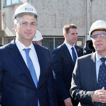 Andrej Plenković i predsjednik Uprave INA-e Zoltan Aldott (Foto: Nikola Cutuk/PIXSELL)