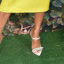 Eva Longoria u haljini koja savršeno naglašava preplanulu put - 4
