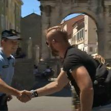 Stigli strani policajci - 3