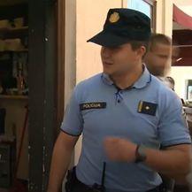 Stigli strani policajci - 5