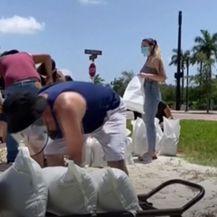 Izvanredno stanje na Floridi, čeka se uragan - 2