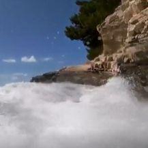 Vjetar uzburkao more - 1