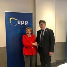 Angela Merkel i Andrej Plenković (Foto: Twitter Vlada)