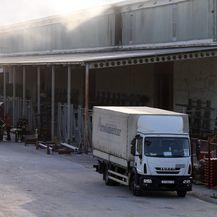 Požar na skladištu u Splitu (Foto: Ivo Cagalj/PIXSELL) - 1