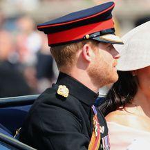 Vojvoda i vojvotkinja od Sussexa na paradi