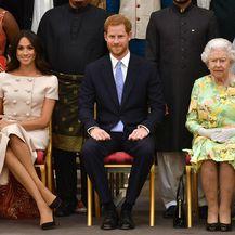 Vojvotkinja i vojvoda od Sussexa u društvu kraljice