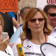 Prosvjed liječnika na Markovu Trgu (Video: dnevnik.hr)