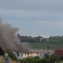 Požar u prihvatnom centru za mgiranti u Velikoj Kladuši (Foto: Facebook/Draga Zlaja Topčagić) - 2