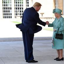 Donald Trump i Kraljica Elizabeta II. (Foto: AFP) - 1
