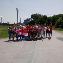 Hrvatski navijači na putu prema Gradskom vrtu (GOL.hr)