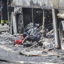 Zapalio se autobus koji je prevozio djecu na nogometni turnir (Foto: Nel Pavletic/PIXSELL) - 2