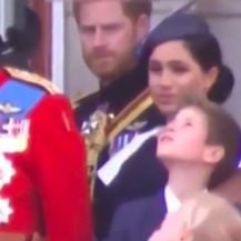 Meghan Markle i princ Harry (Foto: Screenshot Twitter)