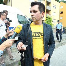 Branimir Bunjac na deložaciji tijekom koje su mu potrgane naočale (Foto: Sanjin Strukic/PIXSELL )