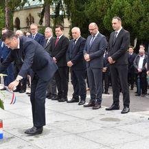 Zagreb: U povodu 30. obljetnice osnutka HDZ-a izaslanstvo položilo vijence na grobu Franje Tuđmana (Foto: Davorin Visnjic/PIXSELL)
