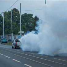 Zaprašivanje komaraca na osječkim ulicama (Foto: Davor Javorovic/PIXSELL)