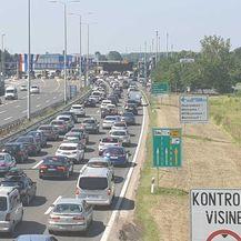 Gužve na Lučkom (Foto: Dnevnik.hr) - 2