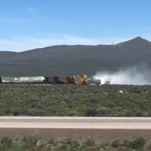 Vlak u Nevadi iskliznuo iz tračnica (Foto: Screenshot/Twitter/Michael Lyday)
