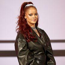 Rihanna na dodjeli nagrada BET održanoj u Los Angelesu