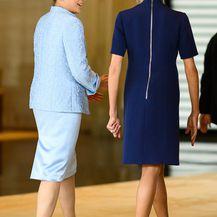 Brigitte Macron u dva modela štikli tijekom posjeta Japanu - 5